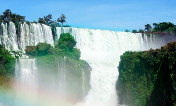 Iguazu Falls on a Shoestring